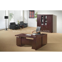 HMD04A office desk