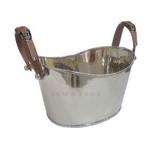 Equestrain Champagne Bath