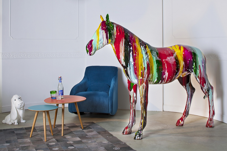 Kare horse colore from other region kare design gmbh for Kare design gmbh